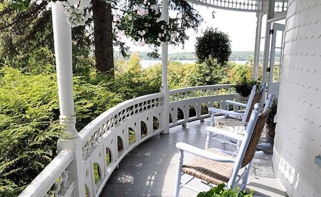 Front Porch Designs - Queen Anne