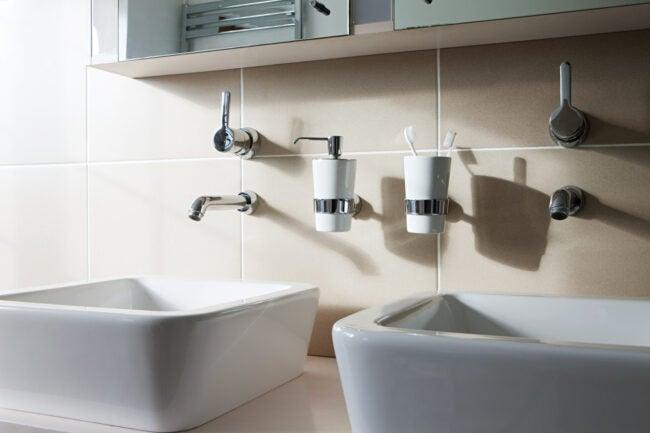 Jack and Jill Bathroom - Sinks