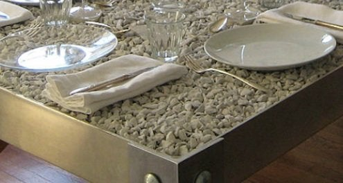Picnyc-table-with-stones