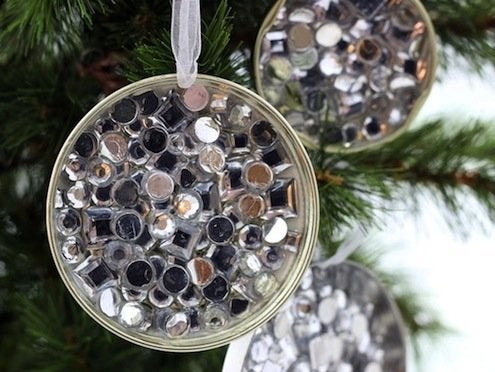 DIY Mason Jar Lid Ornaments