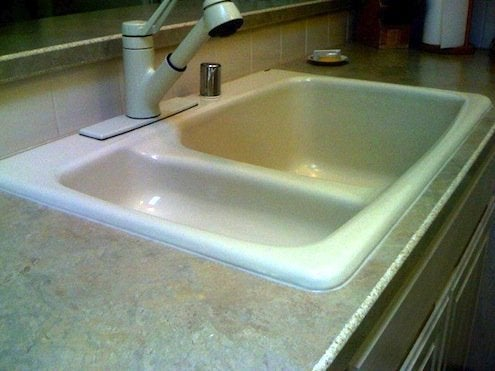 How to Caulk a Kitchen Sink