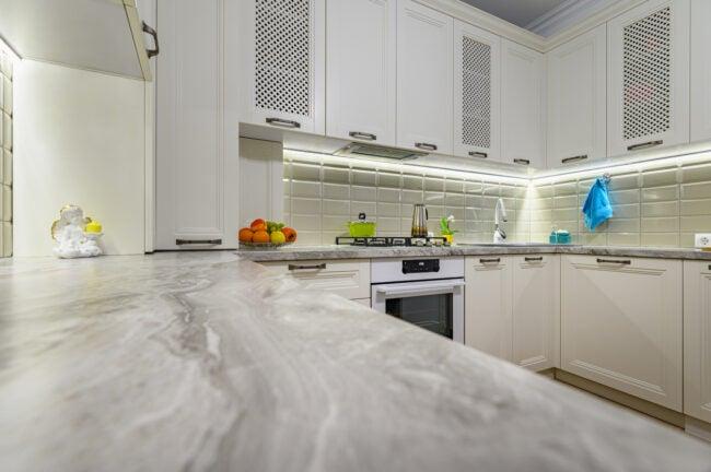 under-cabinet-lighting-kitchen