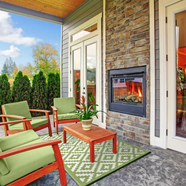 Choose an Outdoor Rug with the Best Colorfastness