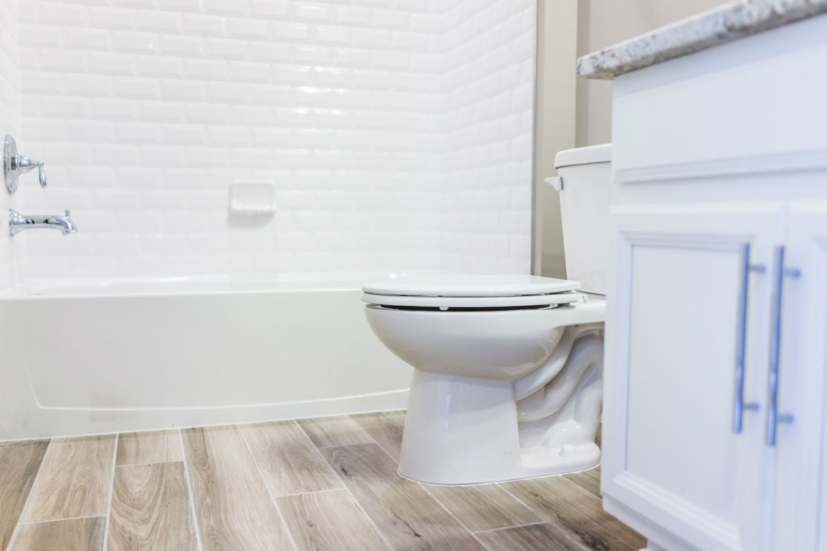 7 best bathroom floor tile options (and how to choose