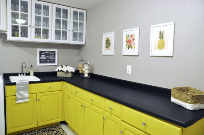 DIY Countertops Made with Chalkboard Paint