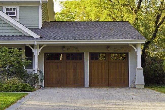 6 Types of Garage Door Materials to Know