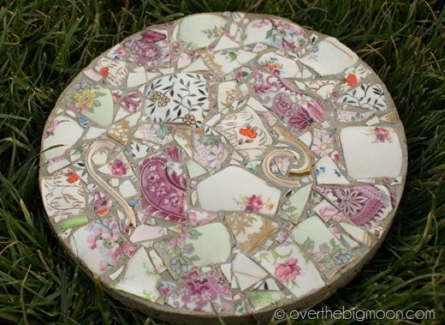 Old Dishes DIY - Mosaic