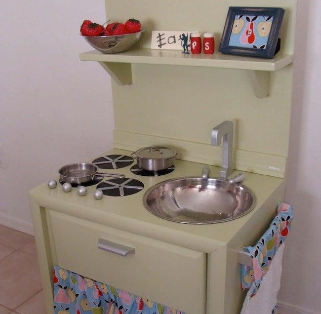DIY Kids Furniture - Play Kitchen
