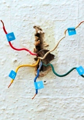 How to Install a Programmable Thermostat - Wiring