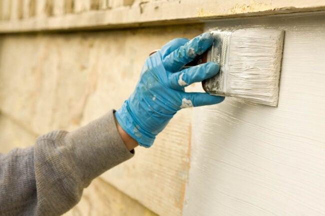 Latex vs. Oil Paint Advantages of Latex Exterior Paint