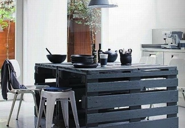 DIY Kitchen Island - Shipping Pallet