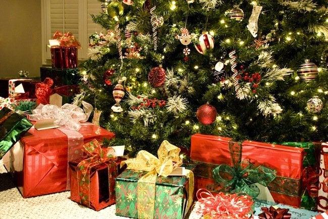 How To Keep a Christmas Tree Fresh