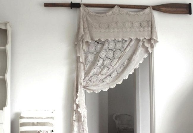DIY Curtain Rod - Oar