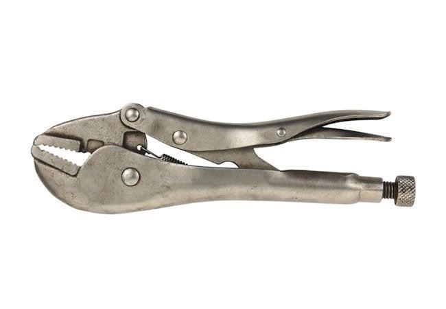如何用钳子拔出剥离的螺钉