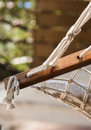 How to Hang a Hammock - Detail Suspension