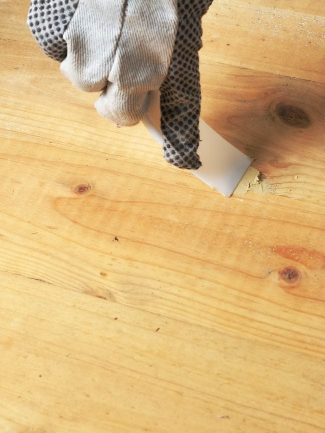 How to Use Wood Filler for Repairing Scratches and Gouges