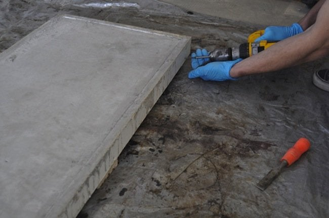 Remove DIY Concrete Table from Mold