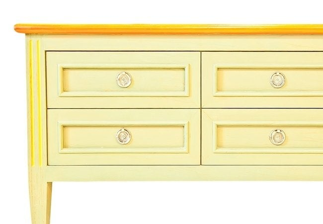 How to Refinish a Dresser