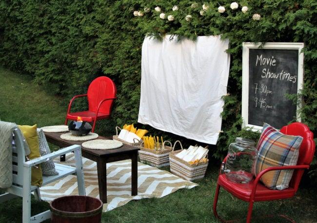 diy outdoor projector screens