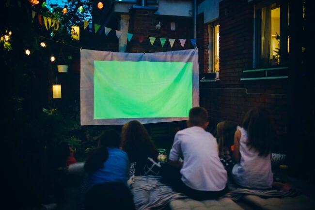 outdoor movie ideas for backyard