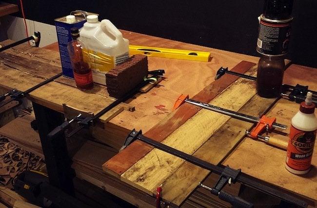 DIY Pallet Desk - Glue