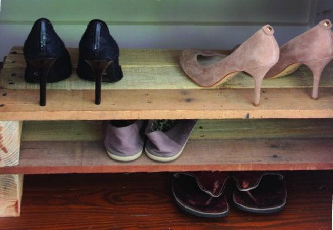 Wood Pallet Ideas - Shoe Rack