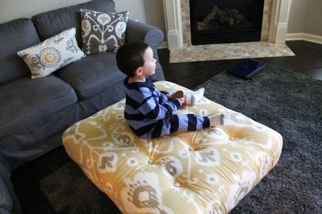 DIY Pallet Ottoman - In Room