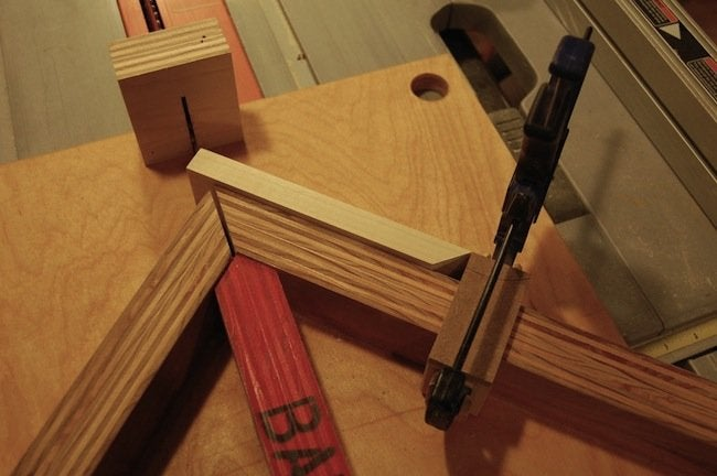 DIY Gramophone - cutting the side miters