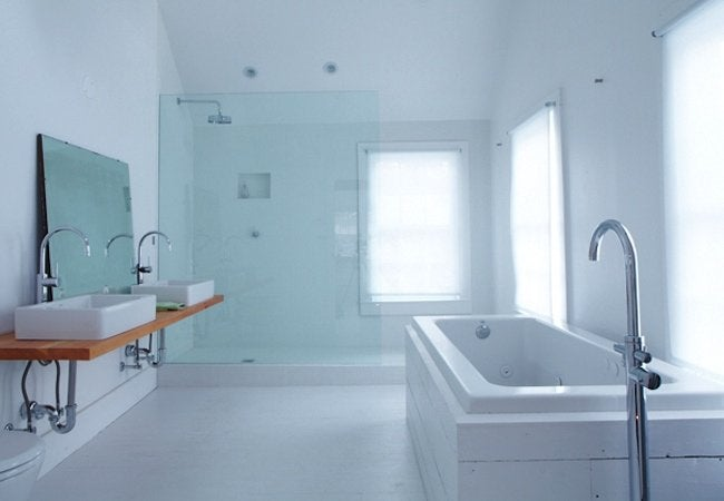 Floating Farmhouse - Bathroom