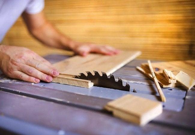 Bob Vila Thumbs Up - Plywood Cut