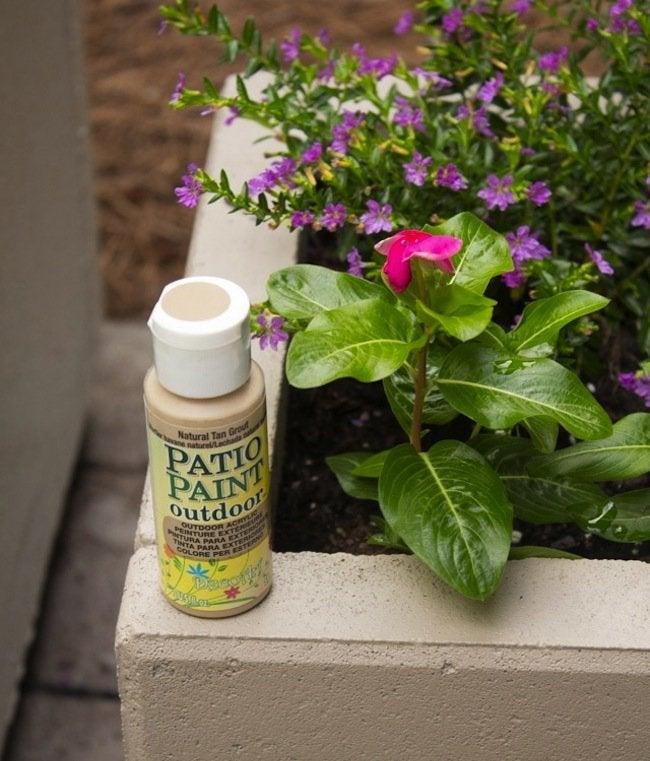 DIY Concrete Planters - paint