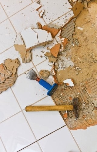 How to Remove Tile - Hammer and Chisel