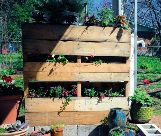 DIY Rain Barrel - Pallet Surround