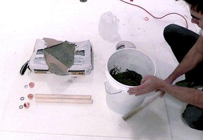 How to Make a Concrete Stool - Mix