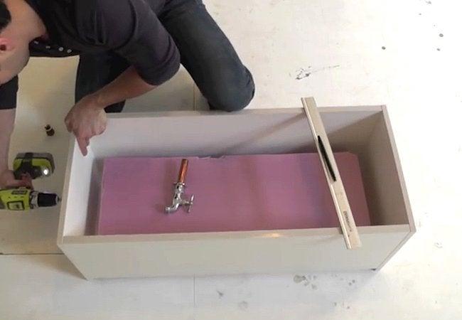 How to Make a Concrete Planter- Step 2