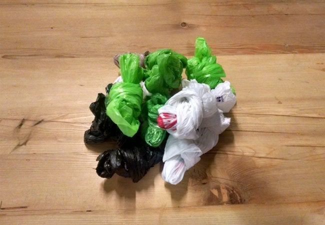 How To Store Plastic Bags - Knotted