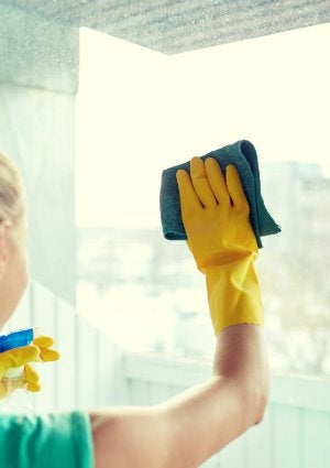 How to Remove Paint from Glass - Cleaning a Window