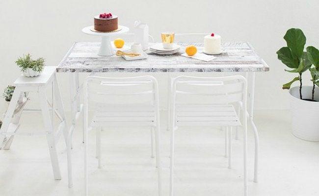 DIY Folding Table - Rustic Stikwood Folding Table