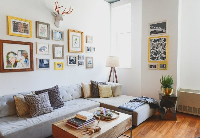 How to Use Painter's Tape - DIY Gallery Wall