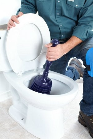How to Use a Plunger - On a Toilet