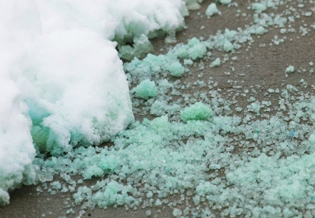 How to Remove Ice from Driveway - with Magnesium Chloride