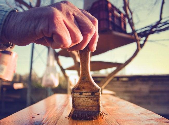 Varnish vs Polyurethane - What Wood Finish to Choose
