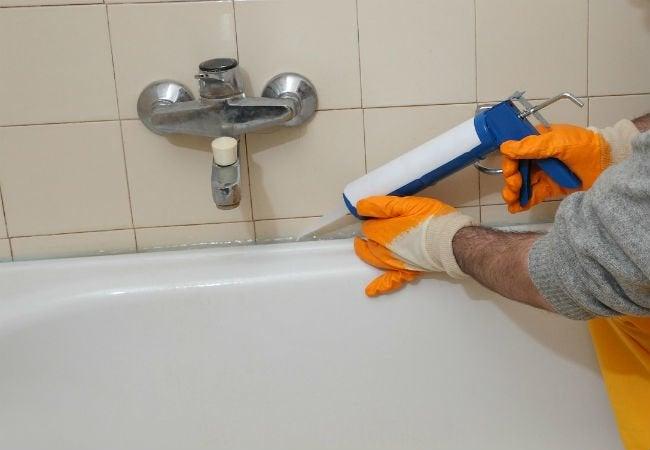 How to Caulk a Shower - Tub