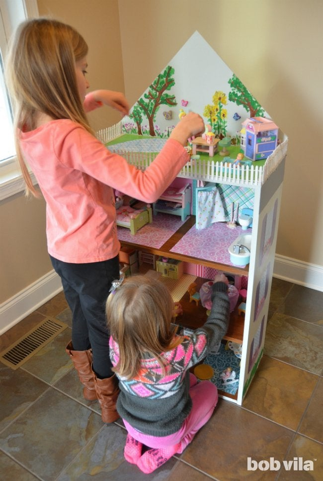 How To Build a Dollhouse - Playtime