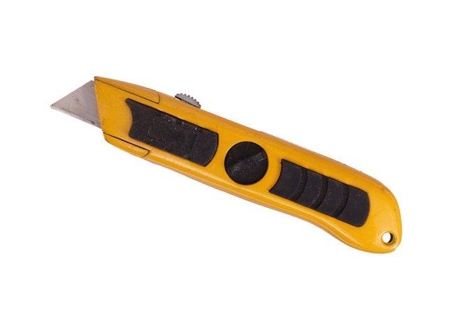 How to Cut Plexiglass - Utility Knife
