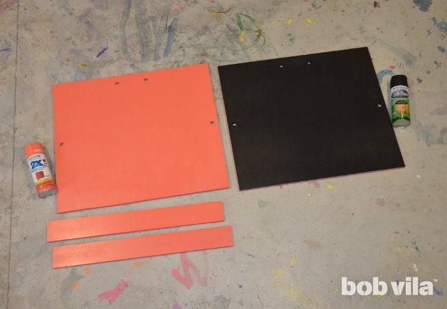 DIY Easel - Spray Paint the Boards