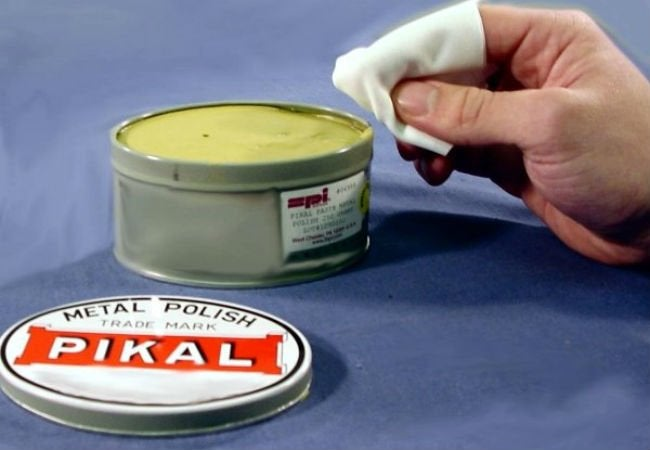 How to Remove Scratches from Glass - Metal Polish