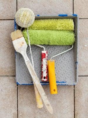 Cómo pintar una bañera: herramientas de pintura en el baño