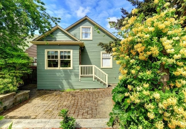 How to Clean Exterior Siding
