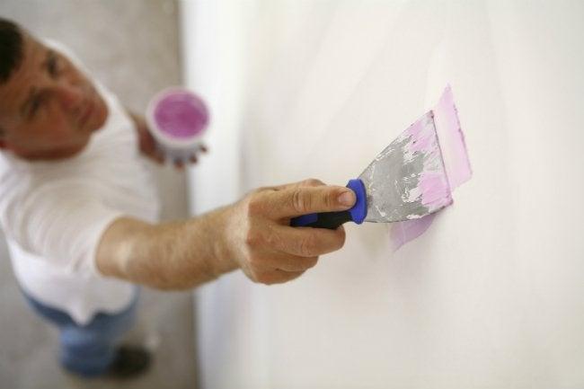 Repairing Drywall - with Spackle